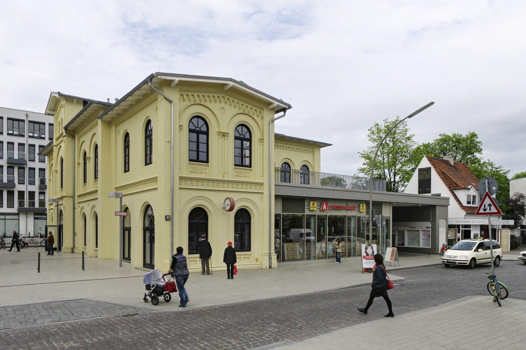 309-bahnhof1